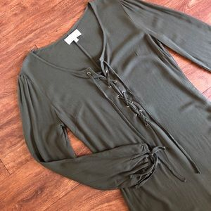 Kendall & Kylie lose mini dress